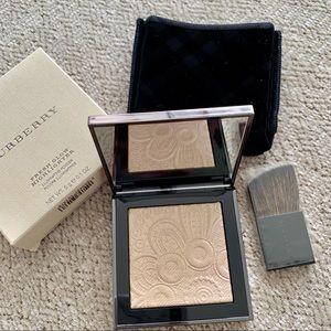 Burberry fresh glow highlighter no 1